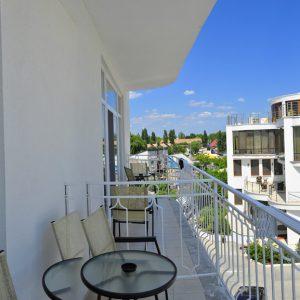 Фото вида с нового корпуса отеля в Затоке Прибой
