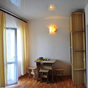 Фото четырехместного номера в мини-отеле для отдыха в Затоке на Черном море