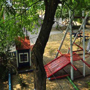 Фото вида на детскую площадку для отдыха с детьми в Курортном