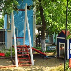 Фото детского домика для отдыха с детьми в Курортном