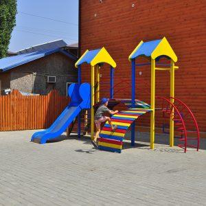 Фото детской площадки в кемпинге Престиж в Коблево Николаевской области
