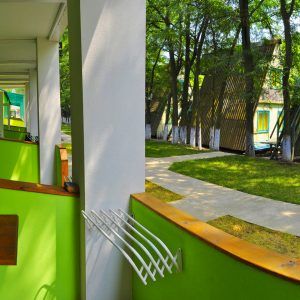 Фото вида с террасы на базе отдыха Романтика в Курортном