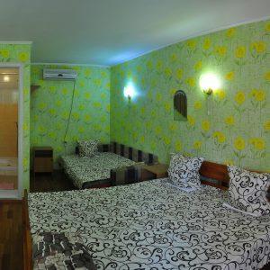 Фото четырехместного номера в Курортном в частном пансионе У Кузи