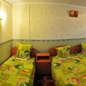 Фото номера трехместного в частном пансионе на Черном море У Кузи