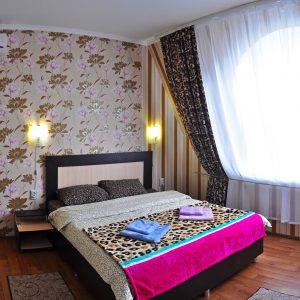 Фото люкса двухкомнатного в гостинице в Приморском