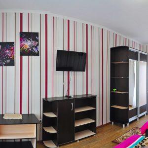 Фото люкса трехместного в гостинице на Черном море в Украине