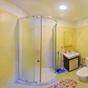 Фото санузла в гостинице в Приморском Фиеста