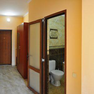 Фото санузла в номере люкс на базе отдыха Лагуна курорта Коблево
