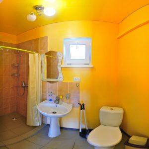 Фото санузла в частном отеле Татьяна в Приморском