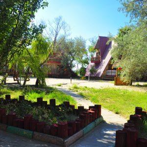 Фото детской площадки на базе в Затоке
