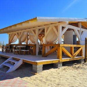 Фото летнего кафе на пляже в Затоке