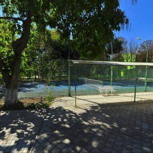 Фото теннисного корта в кемпинге для отдыха в Сергеевке